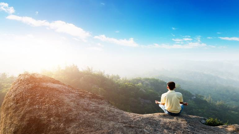 Mindfulness or Self-Hypnosis? Do we have to choose one or the other?